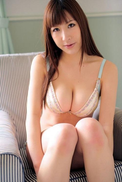 【山咲まりな(元KNU・Hカップ爆乳)お色気グラビア】画像・動画