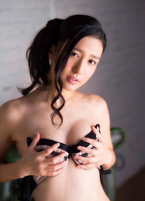 古川いおりCカップの美乳おっぱい35