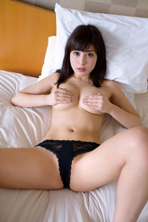 【金子智美(元AKB・Fカップ巨乳)お色気ヌードグラビア】画像・動画