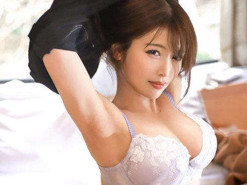 旦那にフェラばかり要求されてる結婚4年目の28歳Fカップ美人妻がイキまくりSEX