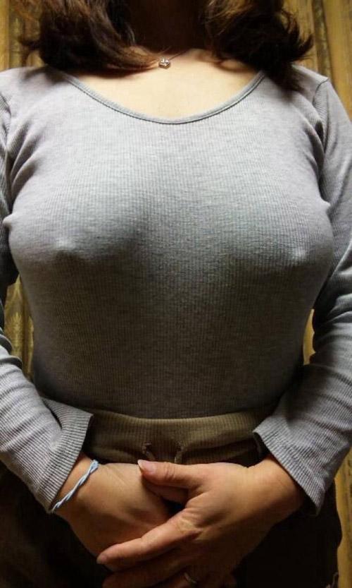 【ニット巨乳】着衣に浮き出る巨乳おっぱいがエロ過ぎる!!画像160枚+gif