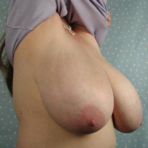 おっぱいがデカくて重くて柔らかすぎて垂れちゃってる垂れ乳集めてみた