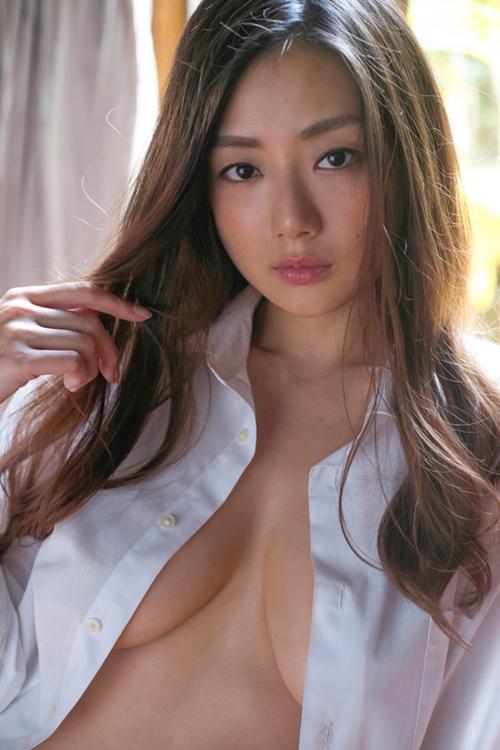 女優 片山萌美のグラビア復活の新作DVDがきたぞ!