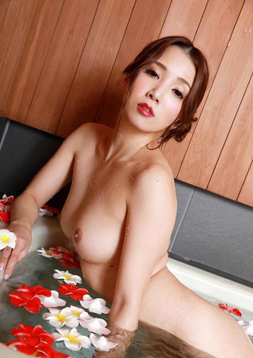 妖艶な三十路美女 友田彩也香 ヌード画像60枚