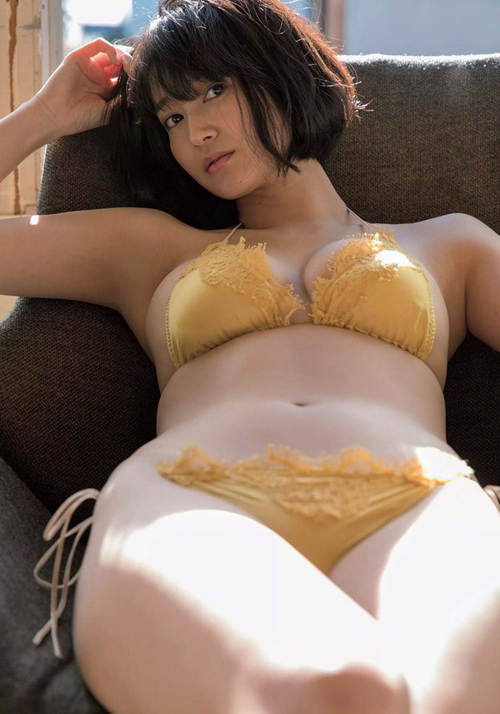 """""""巨乳すぎるレポーター""""出口亜梨沙のおっぱいは朝の6時頃に見るのが最高だよな"""