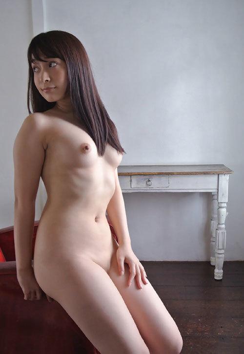 成宮りかEカップ美乳おっぱい146