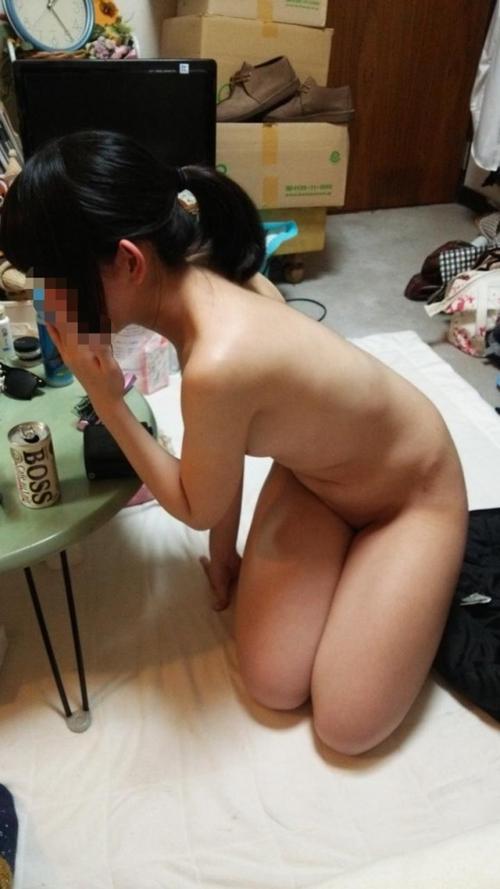 家でくつろぐ嫁・彼女のエロ画像 part11