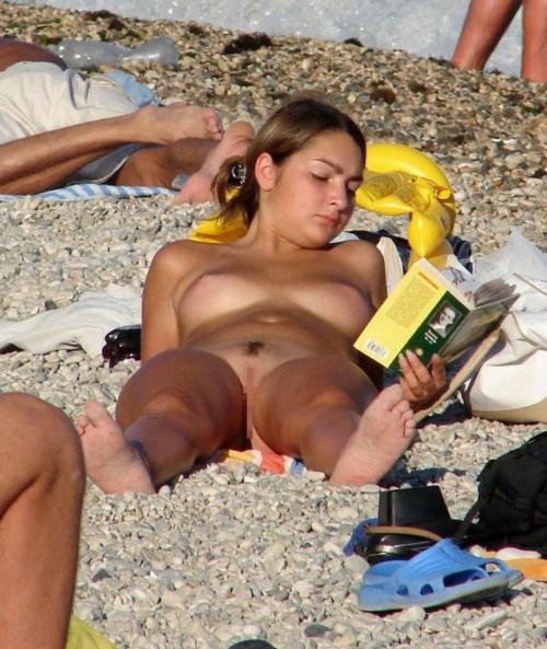 ヌーディストビーチとかいうガードユルユルなまんさんをご覧くださいwwwwwwwwwwwwww