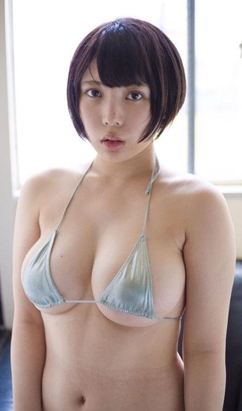【安位薫(Hカップ爆乳)お色気グラビア】画像・動画