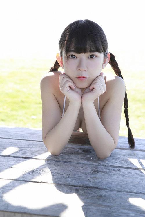 長澤茉里奈ちゃんFカップの合法口リおっぱい25