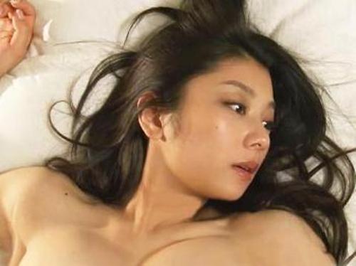 【衝撃】小池栄子、伝説のグラドルの全裸濡れ場…2ch「こんなシーンあったのか!」「くっそエロい!」