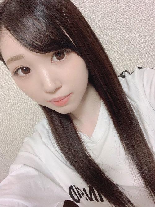 美月はとり処女AVデビュー!
