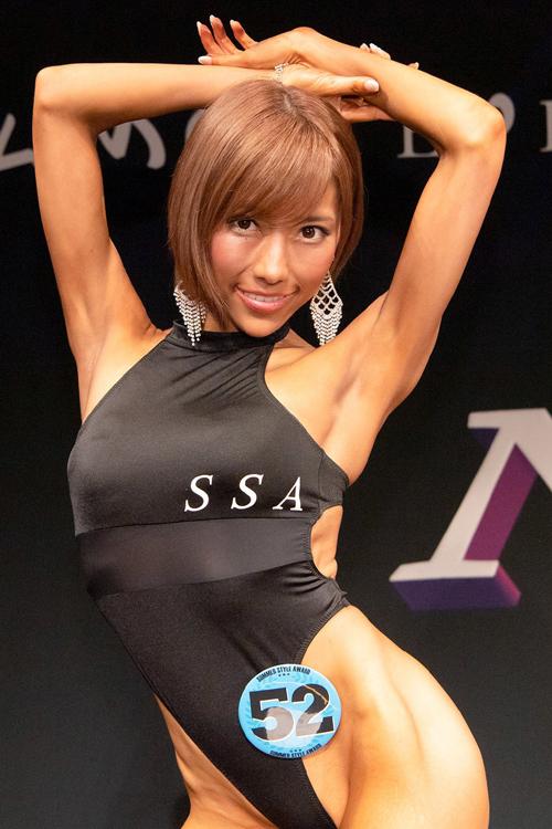 七海ティナ 筋肉ムキムキ!!