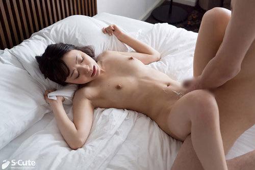 Mei 美肌で美脚なスレンダー美人の彼女は男性の紳士的な態度にキュンとしちゃうそうで、好みのタイプは清潔感のある人
