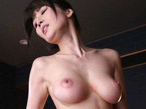 JULIA Jカップの爆乳痴女がM男を完全固定してチ○ポ射精コントロール