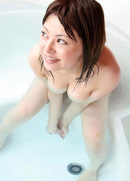 お風呂に入ったお姉さんに癒やされるおっぱい21