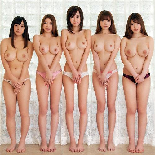 おっぱいだらけでまさにおっぱいの楽園のような複数女性のおっぱいだらけ