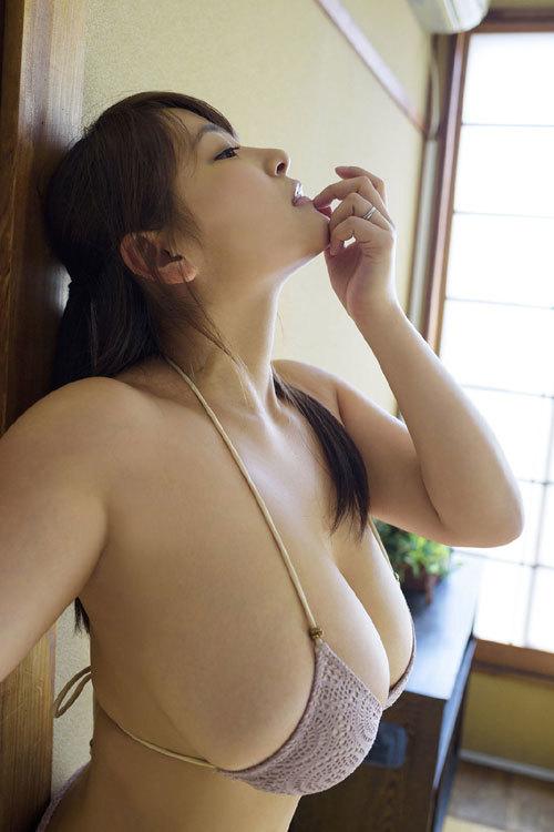 柳瀬早紀おっぱいデカ過ぎなヤナパイ夏のチチ祭り186
