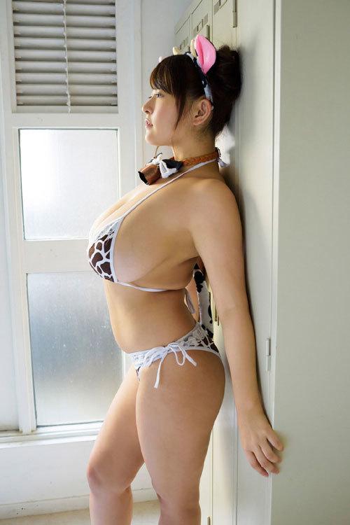 柳瀬早紀おっぱいデカ過ぎなヤナパイ夏のチチ祭り263