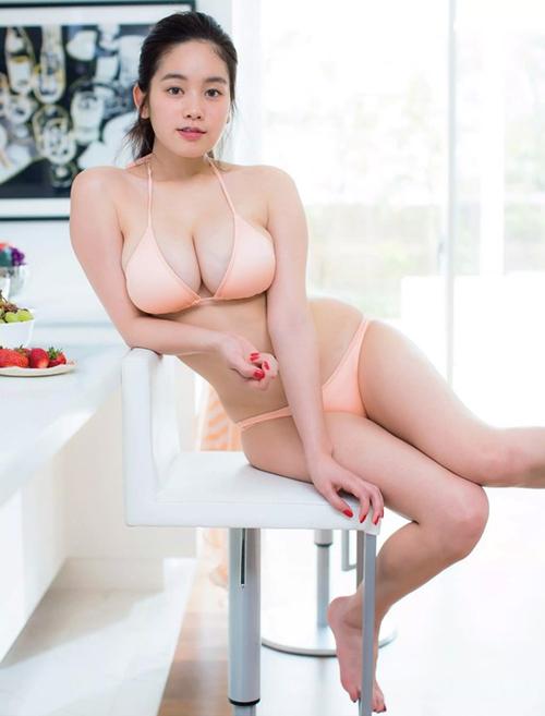 筧美和子(25)ダルンダルン処女おっぱいをボインボインと揺らし過ぎている…(※画像あり)
