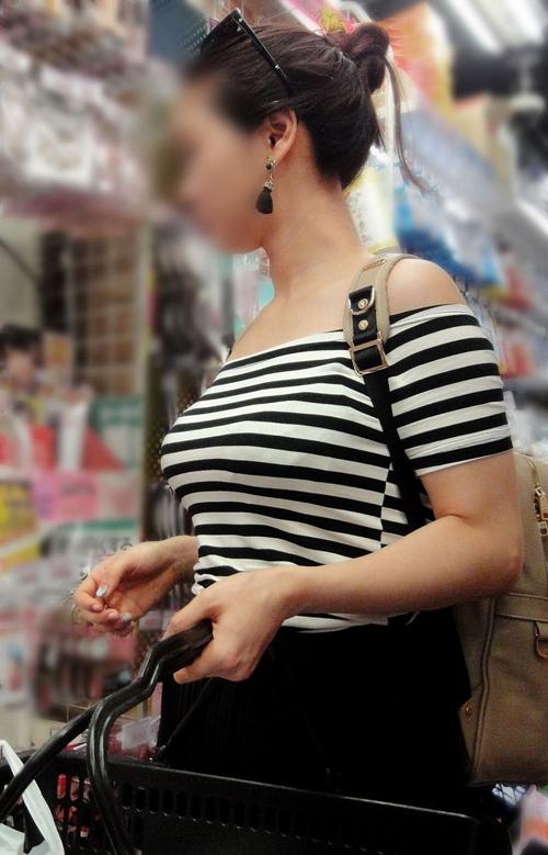【着衣巨乳エロ画像】素人女子のオッパイの魅力がいっぱい詰まって気がするぞぉwww