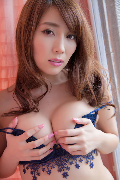 森咲智美エロ過ぎるお姉さんGカップおっぱい4