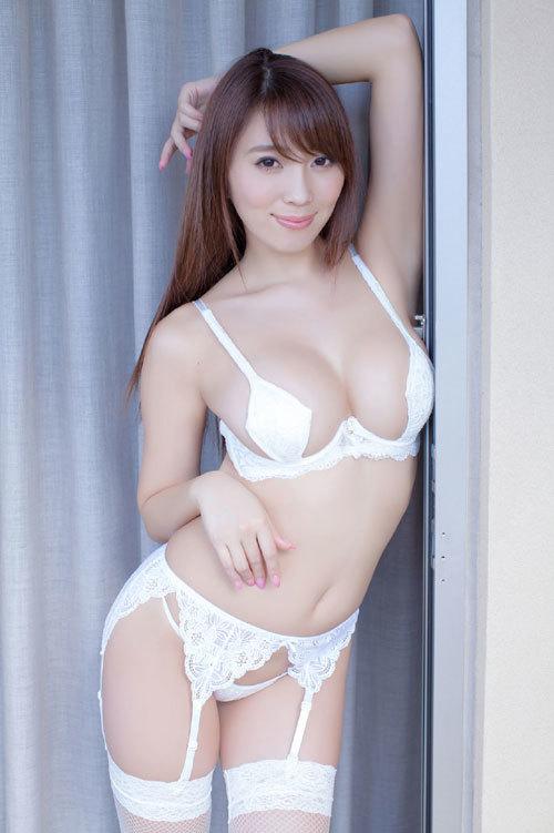 森咲智美エロ過ぎるお姉さんGカップおっぱい23