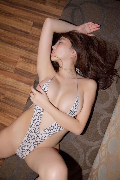 森咲智美エロ過ぎるお姉さんGカップおっぱい32
