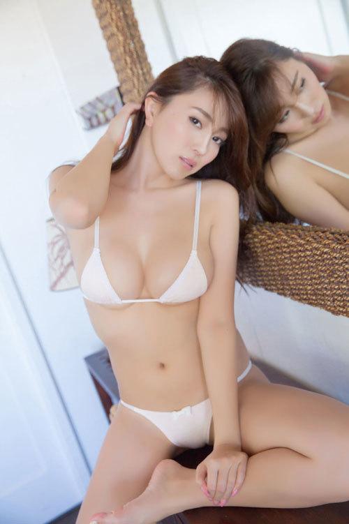 森咲智美エロ過ぎるお姉さんGカップおっぱい37