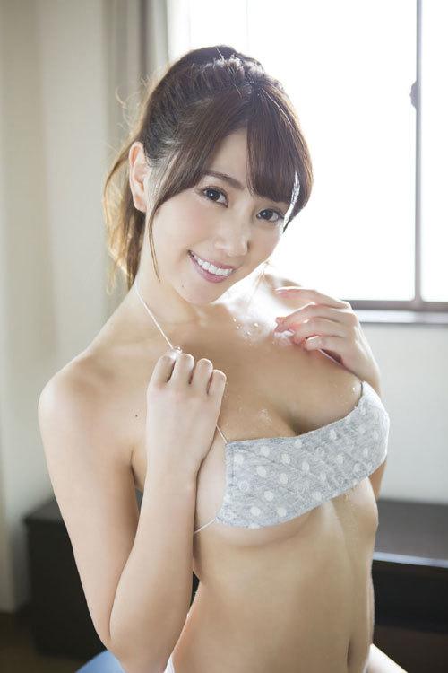 森咲智美エロ過ぎるお姉さんGカップおっぱい60