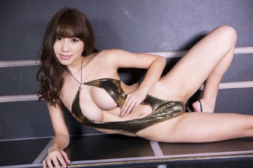 森咲智美エロ過ぎるお姉さんGカップおっぱい85