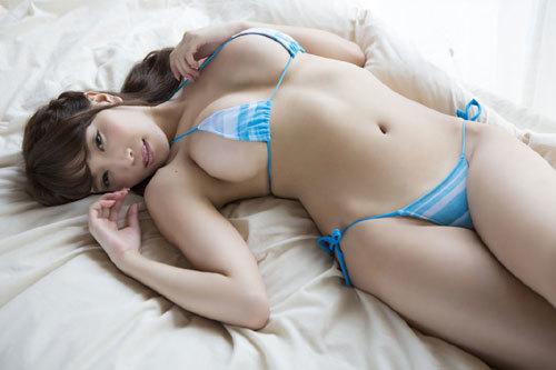 森咲智美エロ過ぎるお姉さんGカップおっぱい99