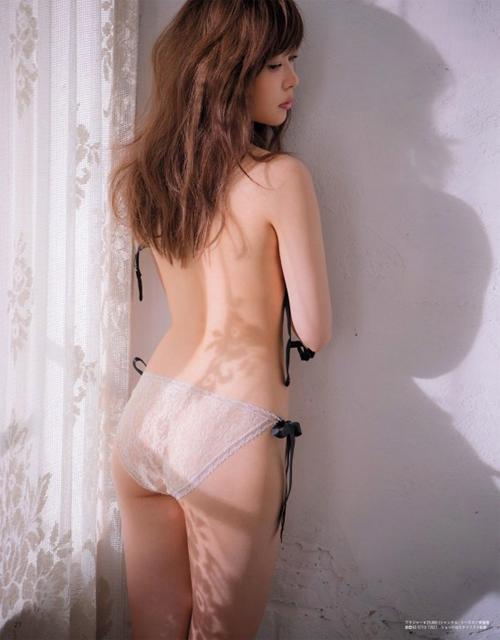【指原莉乃(HKT48卒業・Aカップ乳房)お色気グラビア 】画像・動画