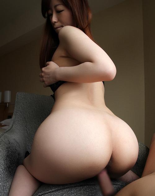 後ろから突かれて喘ぐお姉さん…後背位セックス画像100枚