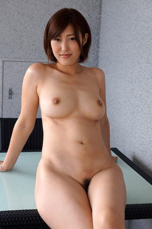 おっぱいとマン毛丸出しの全裸のエロお姉さん6