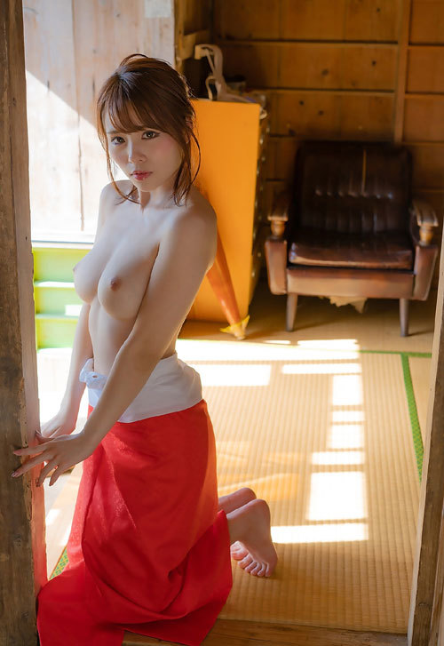 伊藤舞雪Fカップ美巨乳おっぱい23