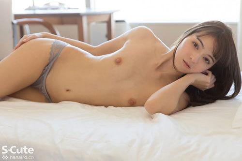 Karina 欧州な顔立ちが天使過ぎる彼女はスレンダーさからも絹のような肌からも天使っぷりが溢れています