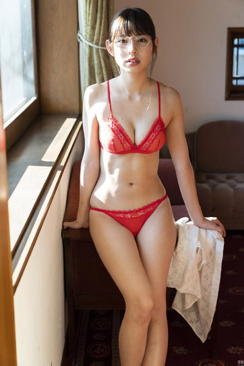 「マジパン」沖口優奈 美尻の美少女アイドル