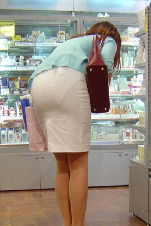 2度見しちゃうスカート透けパン★エロ画像49枚