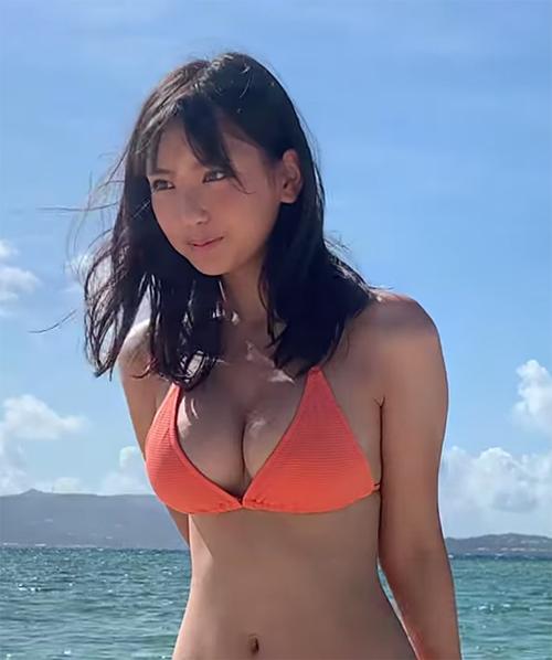 ミスマガジン2018沢口愛華(16)の日焼けして火照った水着姿がたまらん件