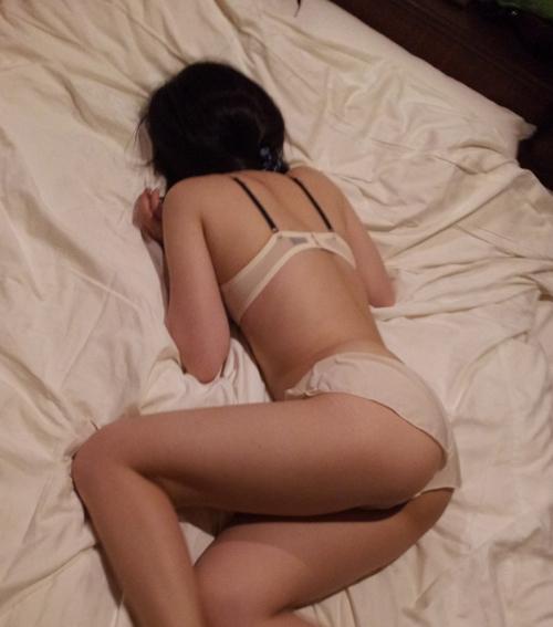 【流出画像】大好きなハズの彼女が下着でいるからって撮影しちゃう神経ヤバいっしょwwwwwww【画像30枚】