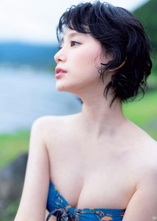 non-no専属モデル金城茉奈 人生初の水着グラビア画像