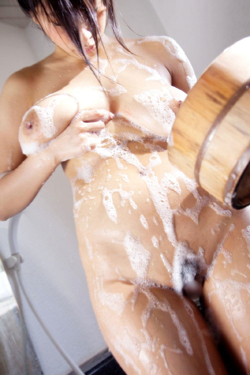 泡まみれのヌルヌルなおっぱいで洗って欲しい12