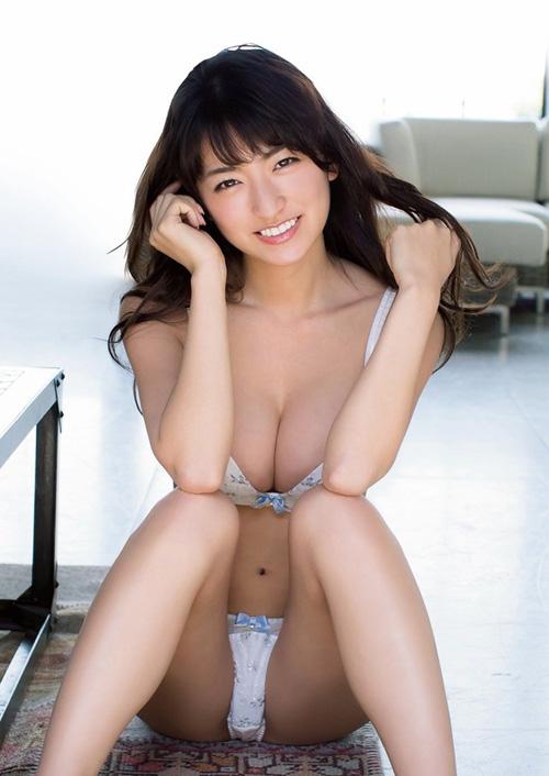 Gカップグラドル☆HOSHINOが大胆水着でエロボディを見せる新作イメビを出すぞ!