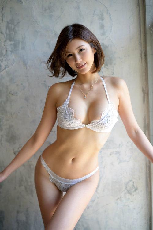 美乃すずめ(神戸の女・美乃)AVデビュー!