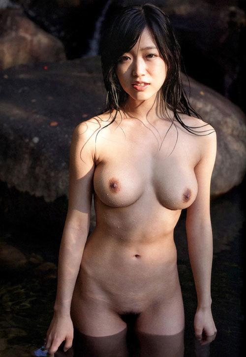 露天風呂でおねえさんのおっぱいと一緒に入浴27