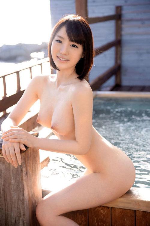 露天風呂でおねえさんのおっぱいと一緒に入浴29