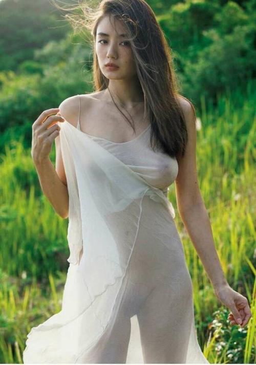 【片山萌美 エロ】乳首解禁してる激エロ女優のエロさ極振りグラビア画像136枚
