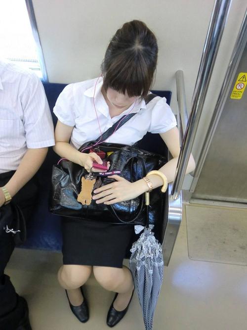 初々しい就活中リクルートスーツ★エロ画像49枚