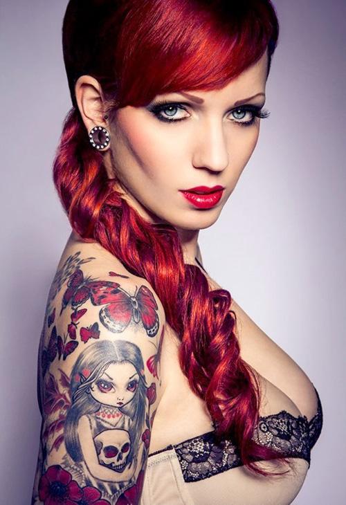 タトゥーの女画像 ワイルドセクシー